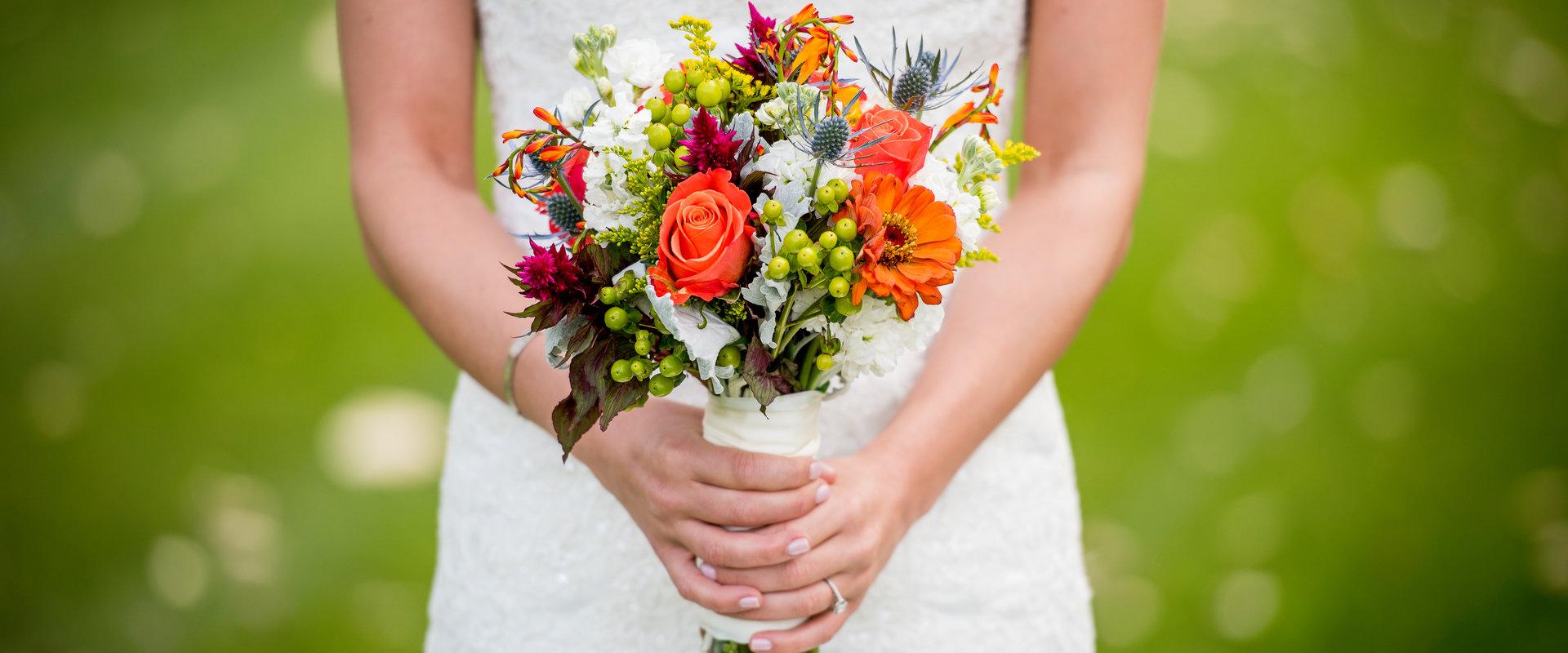 8 Aranjamente Si Decoratiuni Florale Din Oradea Pentru Nunta Botez